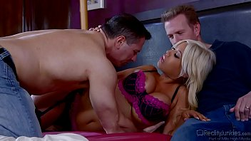 Bridgette B Gets Double Penetrated