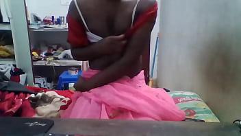 Anju Shows Her  Nipples In Saree e