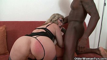 Older sexy woman looking for sex Depraved milf devours a black cock