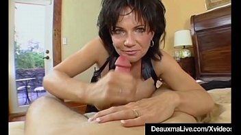 Mature Milf Deauxma Has Big Squirting Orgasm With Boy Toy! porno izle