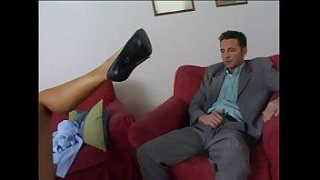 Vermieterin fickt ahnungslosen Mieter - Horny Milf fucks and sucks eroticplanet Vorschaubild