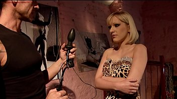 Torture pussy pump - Curious isabelle wants a new sexual experience.bdsm movie.hardcore bondage sex.