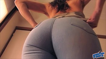 Huge Cameltone Wearing Tight Jeans! Round Ass Perky Tits!