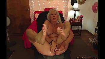 Gorgeous Blonde Granny Masturbating On Webcam