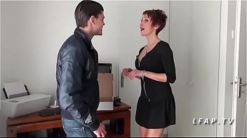 Maman francaiseugar aux gros ss sodomisee par un jeune technicien