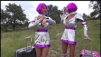 Venus lesbian Deauxma sci-fi sex comedy, venus girls from mars