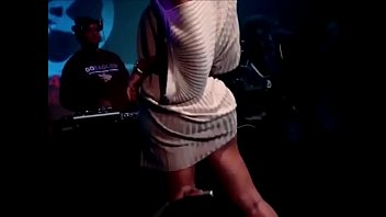 Shawnna making her booty clap on stage