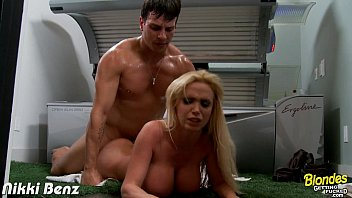 Blonde babe Nikki Benz gets nailed