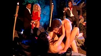 Cult porn - Outdoor night orgy with the venere bianca