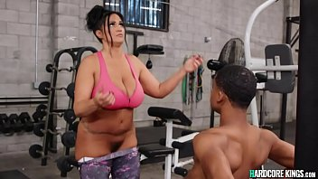 Young black fucks huge tits MILF at gym porno izle