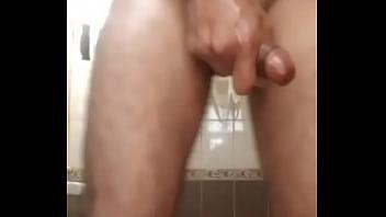Indian boy panes massgian ni batrom hy women  im from Delhi  any gils bhabi sex sex
