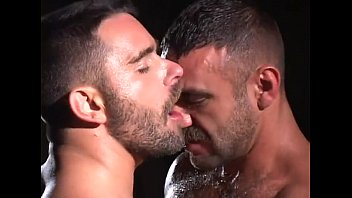 Gay free gallery boxer short - Gay bears piss kissing
