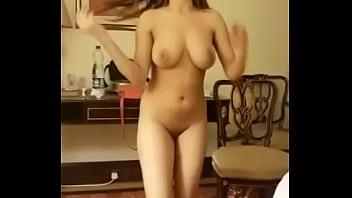 Desi girl sexy dance on songs....