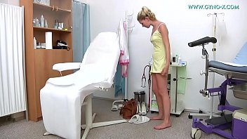 Anal medical speculum - Maek went to her gynecologist