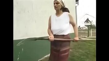 Sex suta la suta romanesc cu o babuta si nepotul ei futacios