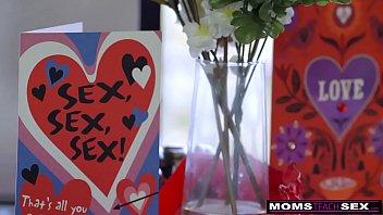 MomsTeachSex - Mom And StepSons Romantic VDay Fuck S7:E7 thumbnail