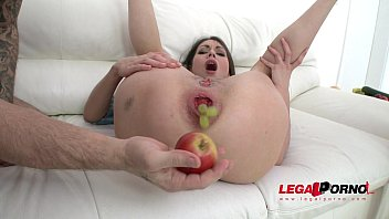 Arwen Gold shoves gigantic vegetables in her ass before a DP Fuck!