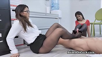 Office threesome with slutty Asian babes