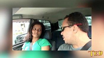 Arrombei o rabo da gostosa dentro do carro - Giuliana Lemme - Binho Ted