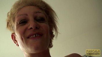 Inked UK skank railed rough in ass by maledom porno izle