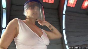 Squirting lesbians banging machines