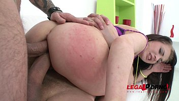 Teen beauty Catrine Love DAP'ed for the first time and falls in love