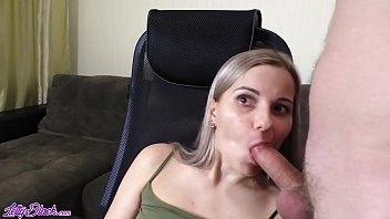 MILF Blowjob Dick Husband and Plays in the Tomb Raider - Oral Creampie صورة