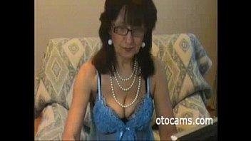 Granny Amy horny masturbating on webcam - otocams.com