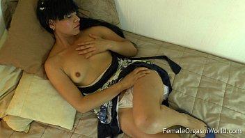 First Time Amateur Masturbates Her Big Pussy Lips to Orgasm [자위 함께하기 masturbate together]