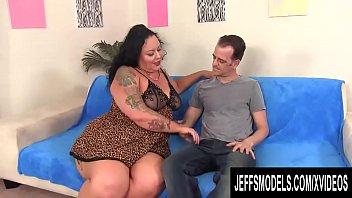 Massive Ass Plumper Calista Roxxx Gets Her Pussy Pummeled