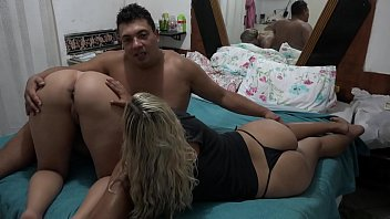 Caiu na net! El Toro de Oro com sua prima Paty bumbum e uma Mirella Mansur