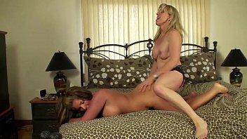 Squirting Lesbian Fun With A New Girlfriend
