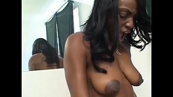 Interracial Lesbo Sucking And Licking
