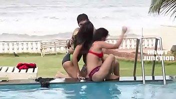 Super Hot Scene Bheega Badan Aur Pyasi Jawani – pornhub video