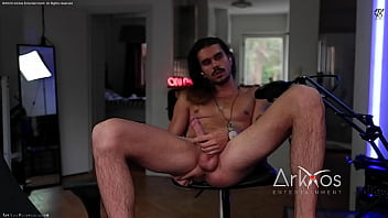 Live Camshow Thong Swe Straight man