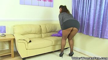 Savanna sampson ir anal - British milf gilly doesnt wear knickers just tights today