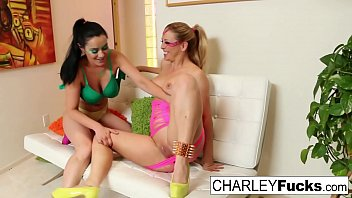 80's lesbians Charley and Cherie finger each other