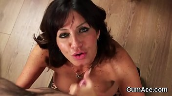 Slutty hottie gets cumshot on her face gulping all the spunk