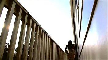 Crossdresser in public flashes for strangers