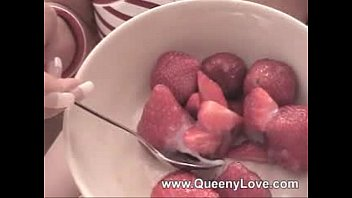 Sperm the super food Queeny- strawberry