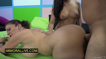 SARA JAY TRAINS THICK BABE w/ PERFECT ROUND TITS 1st THREESOME - Part 1