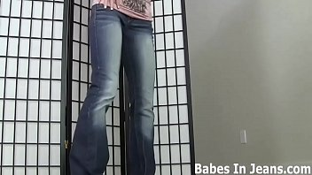 These tight pussy hugger jeans are really making me horny JOI Vorschaubild