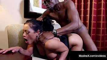 Fetish x video Cambodian cougar maxinex dark dicked by big black cock