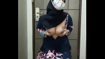 Jilbab terbaru Full video https://tapebak.com/6SyYi