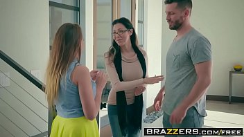 Brazzers - b. Got Boobs -  Air Blow N Bang with (Ivy Rose) and (Mike Mancini)