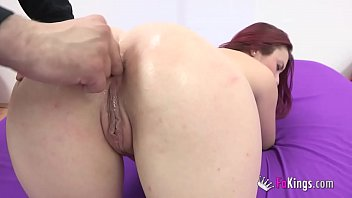 Joana's ass keeps asking for and more to reach anal orgasm!