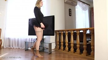 Naked splits and erotic gymnastics by Sofya Belaya Vorschaubild