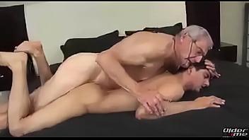 Mecs gay Velhão fudendo novinho