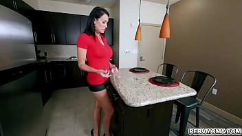 Smoking hot MILF Reagan Foxx enjoys getting hammered by her stepsons giant dick. preview image