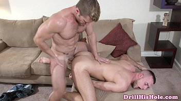 Gay musculosos Jessie colter throat and ass fucked